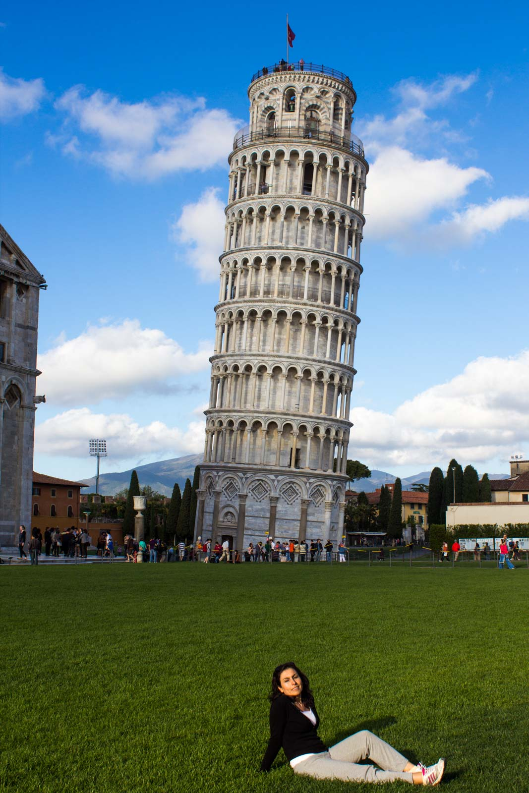 Why does Pisa Tower lean? Why is it the Leaning Tower of Pisa? Italy
