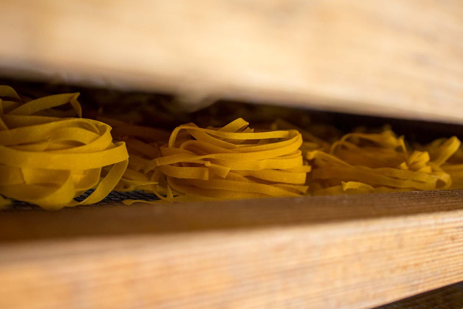 how to make pasta, fresh pasta recipe, pasta school italy, bologna