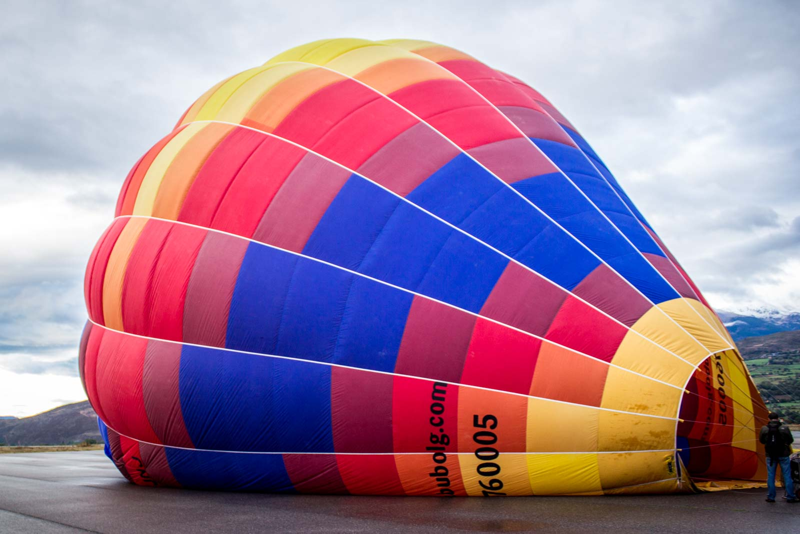Hot air ballooning in the Pyrenees in Spain