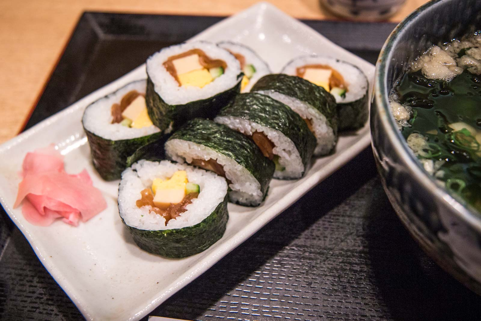 makizushi, japanese food, japanese dishes, types of sushi, seaweed nori and rice