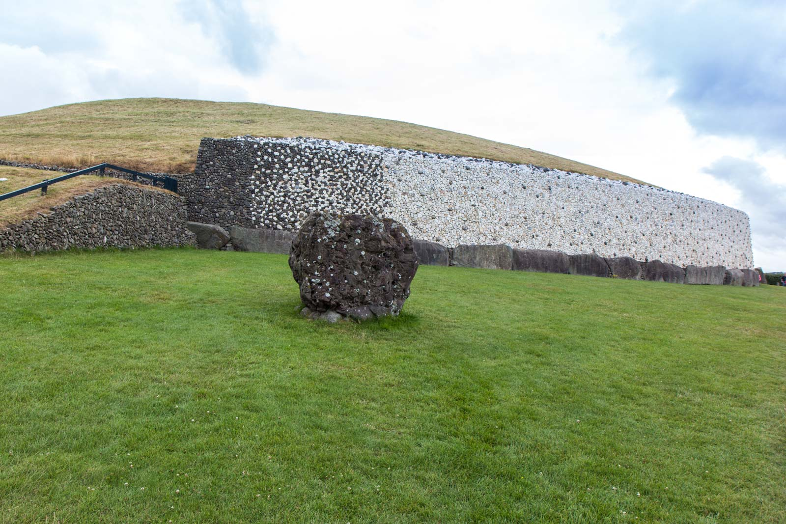 Newgrange tour, Bru na Boinne, Ireland