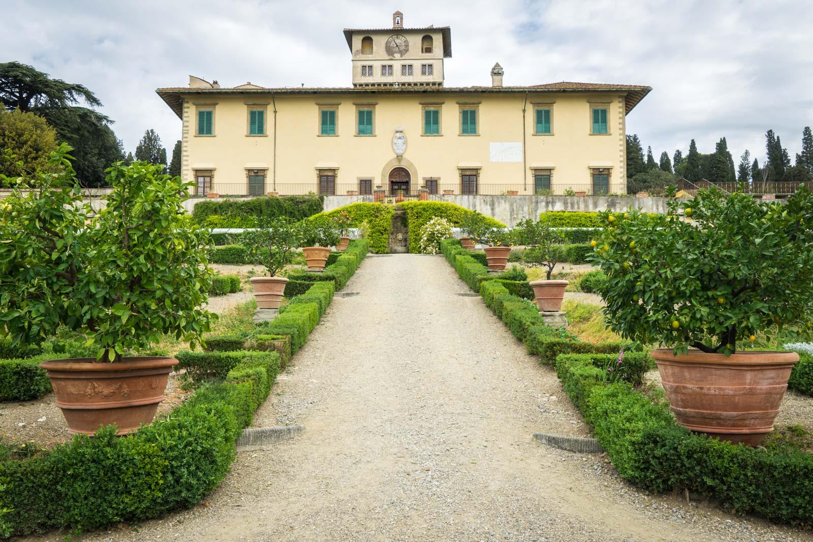 Visiting the medici villas and gardens in tuscany italy for Villa la petraia