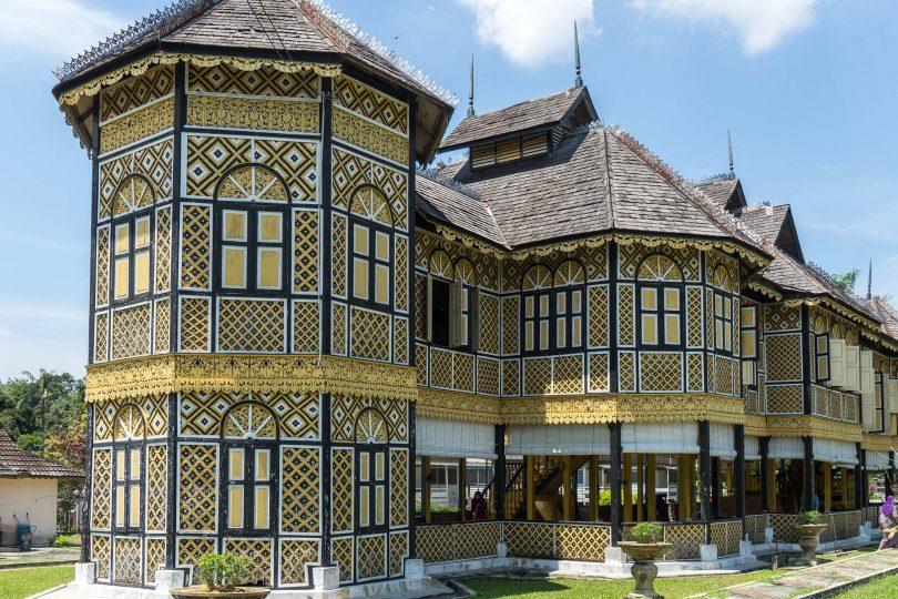 Malaysian royalty and British loyalty