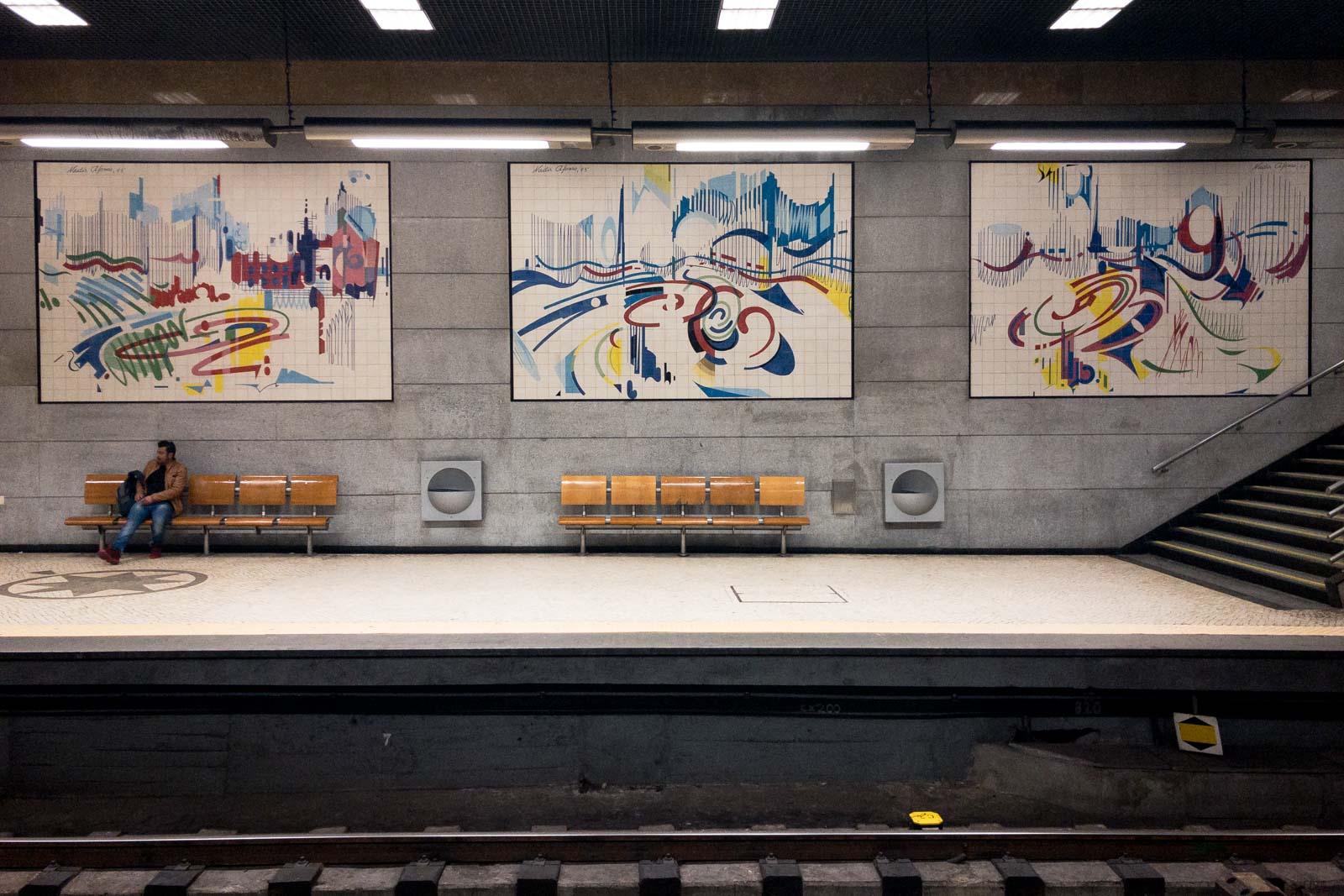 Restauradores, Lisbon Metro Art