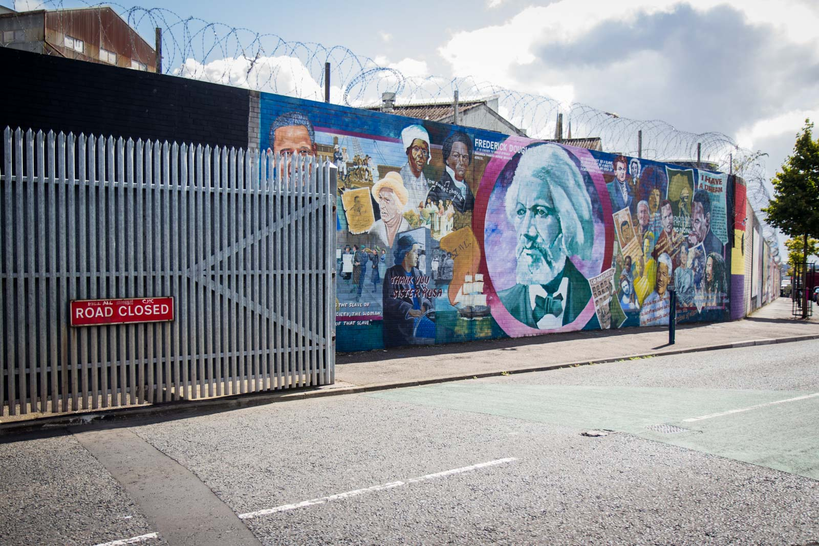 Belfast Peace Wall And Its Murals How To See It For Yourself