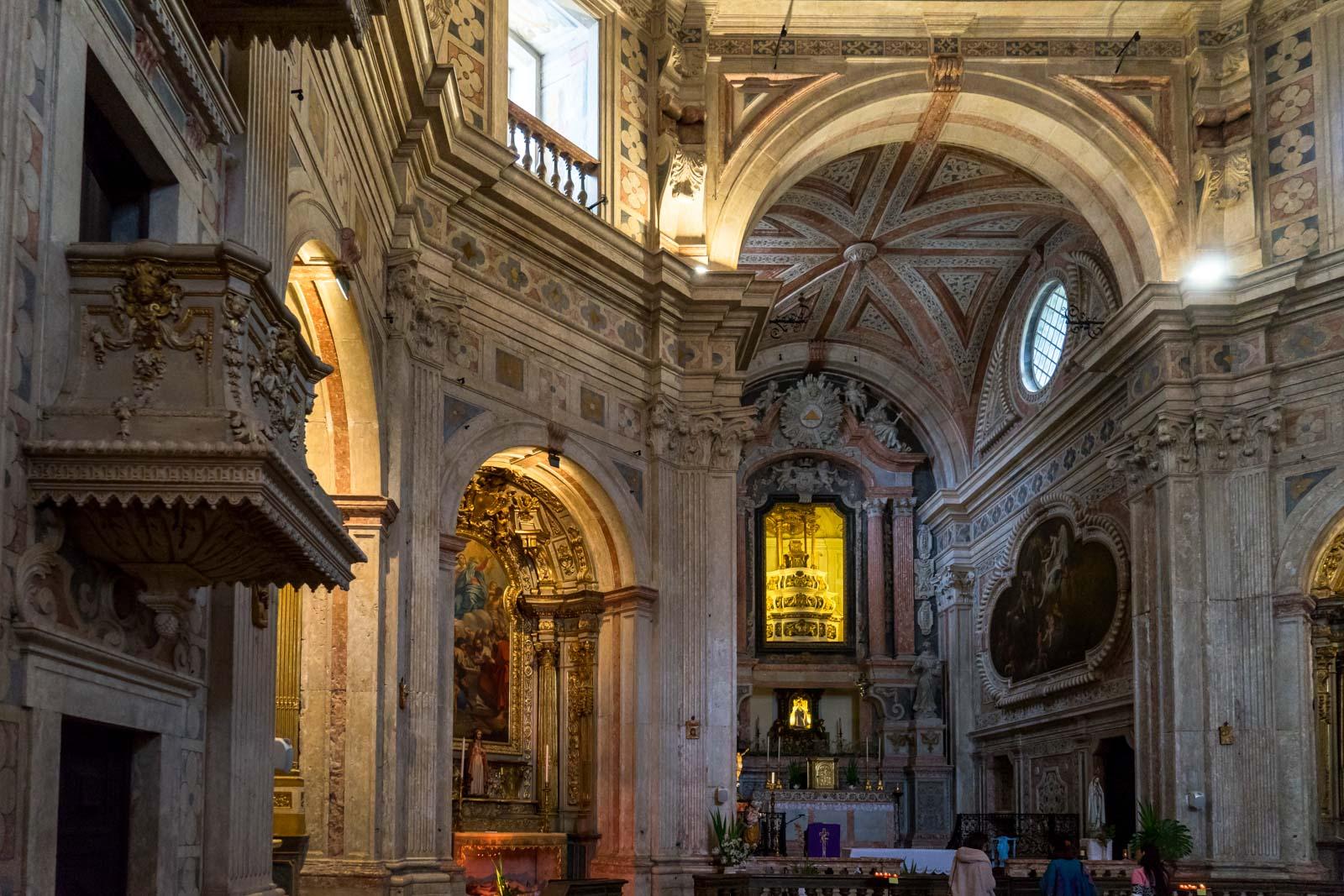 Igreja do Menino Deus, Lisbon