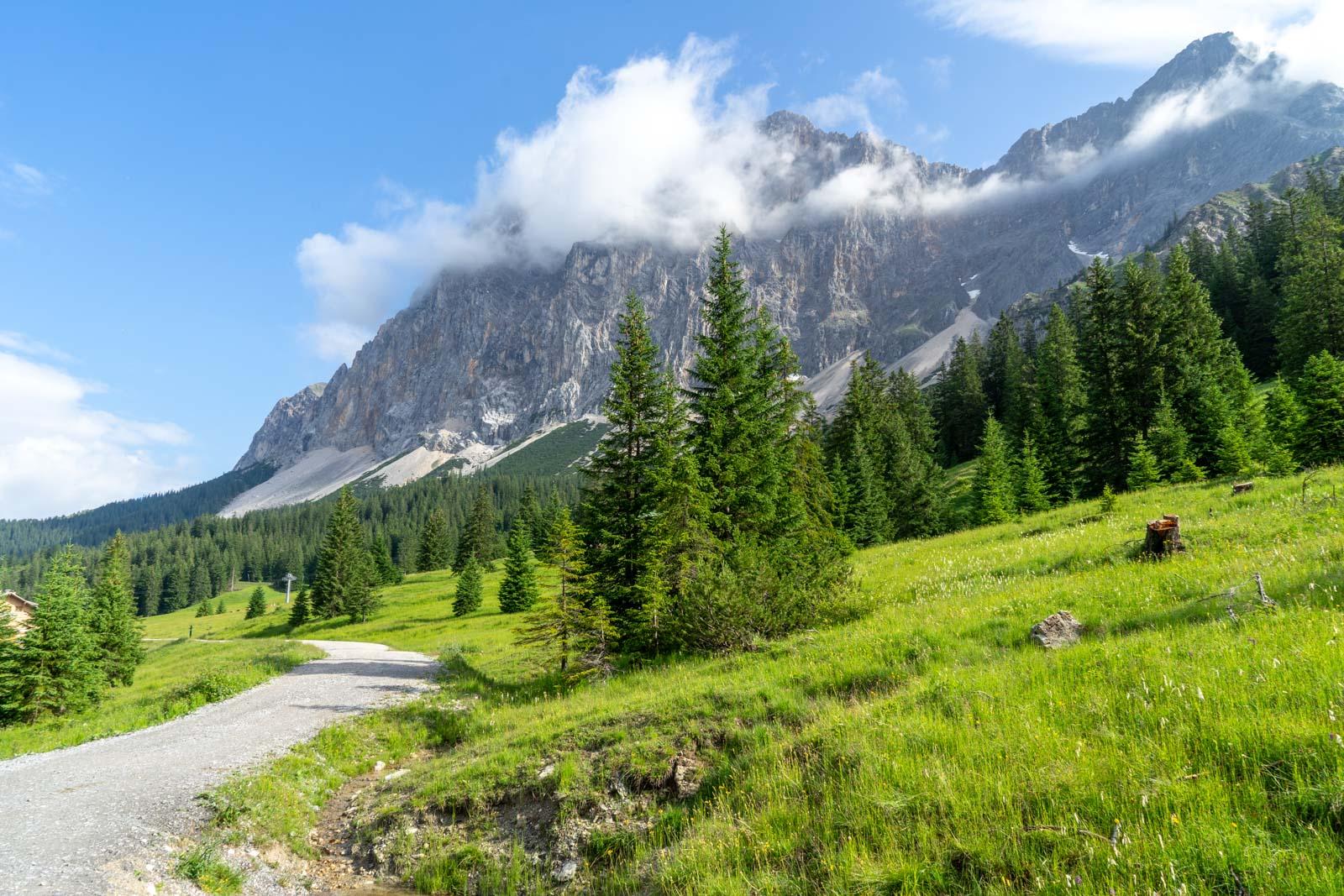 Hike to Seebensee Lake